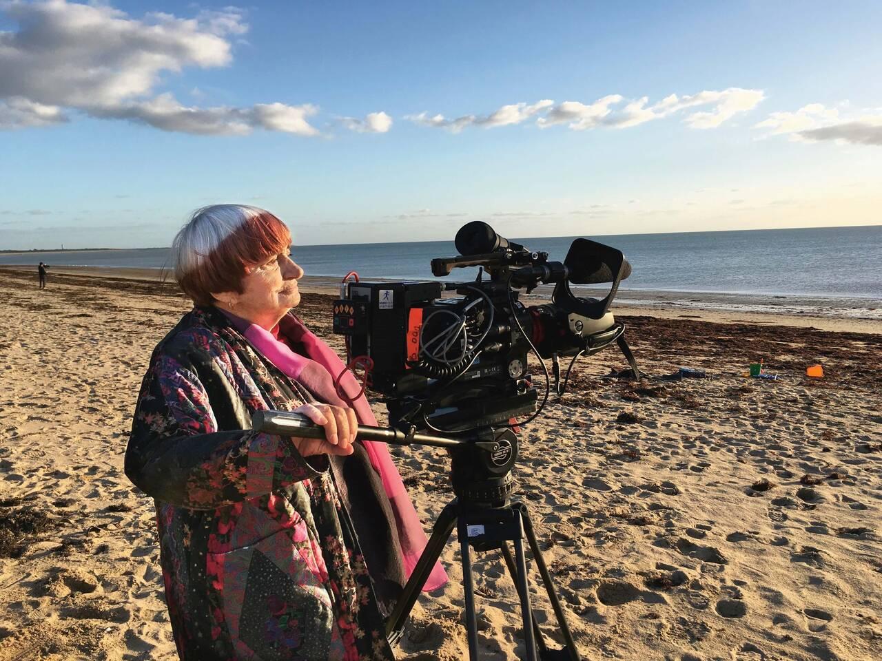 女性監督の先駆者アニエス・ヴァルダが長いキャリアを振り返る──遺作となった集大成ドキュメンタリー「アニエスによるヴァルダ」