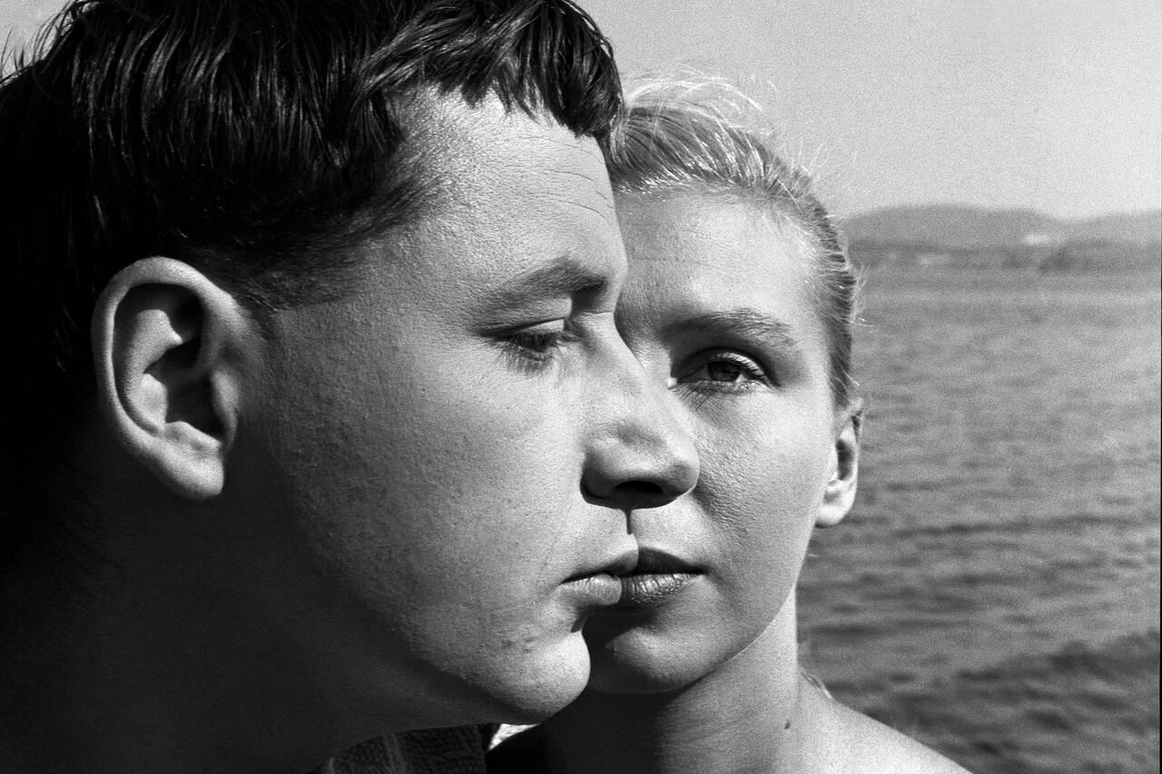 離婚寸前の夫婦が漁村で愛の対話を重ねる…ヌーヴェルヴァーグの先駆となったアニエス・ヴァルダの記念碑作「ラ・ポワント・クールト」