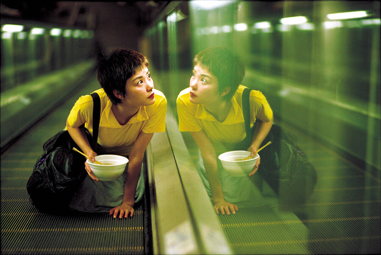 ポップで幻想的!香港ニューウェーブの旗手ウォン・カーウァイが新感覚の映像美で描いたラブロマンス「恋する惑星」