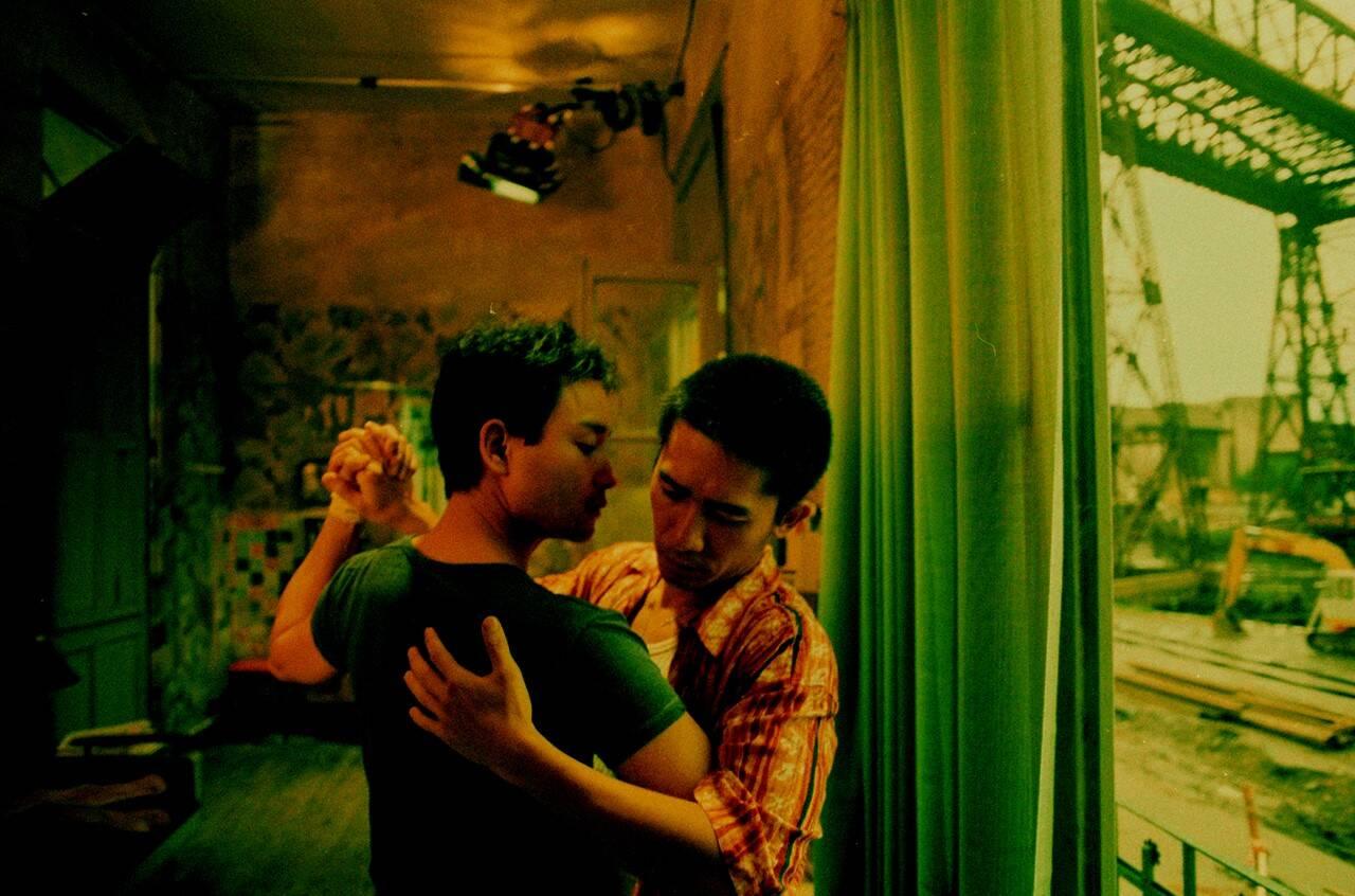 惹かれ合い傷つけ合うゲイ・カップルの愛と苦悩が切ない…ウォン・カーウァイが退廃的に紡ぐラブストーリー「ブエノスアイレス」